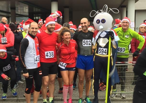 La corsa dei Babbi Natale a Buguggiate