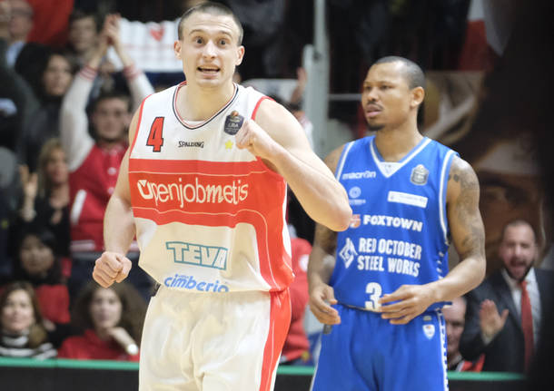 Openjobmetis Varese – Red October Cantù 82-92