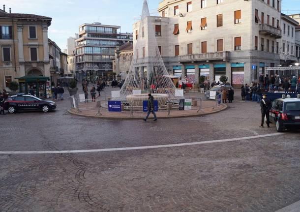controlli carabinieri piazza Gallarate