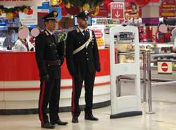 controlli carabinieri supermercato