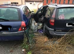 Germignaga, auto abbandonate in Via Fabio Filzi