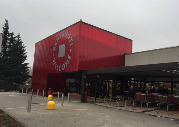 Inaugurazione centro commerciale cocquio trevisago