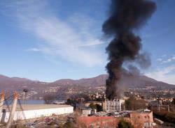 Incendio alla ex Ratti
