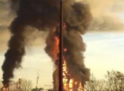 Incendio raffineria Sannazzaro Eni