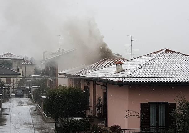 incendio tetto Lonate Pozzolo