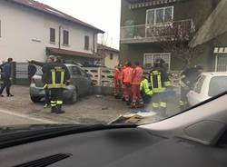 incidente auto contro muro