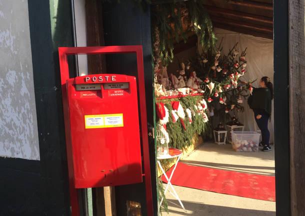 Michele Placido apre le porte della casa di Babbo Natale a Candela