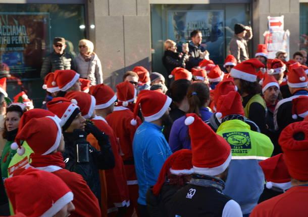 La corsa dei mille Babbi Natale a Tradate