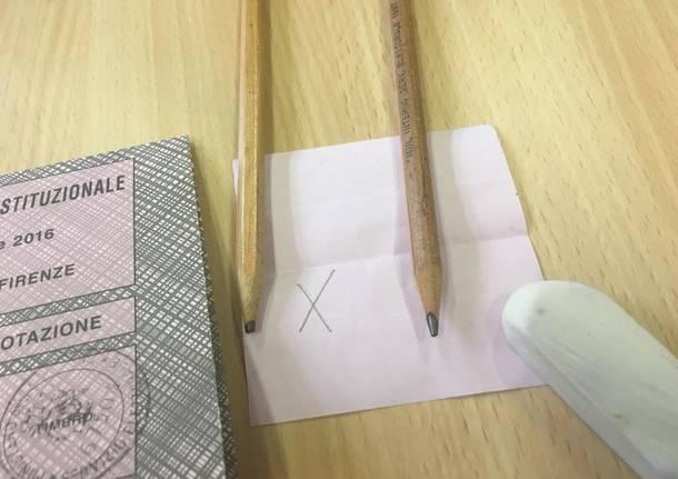 Referendum, il caso delle matite copiative