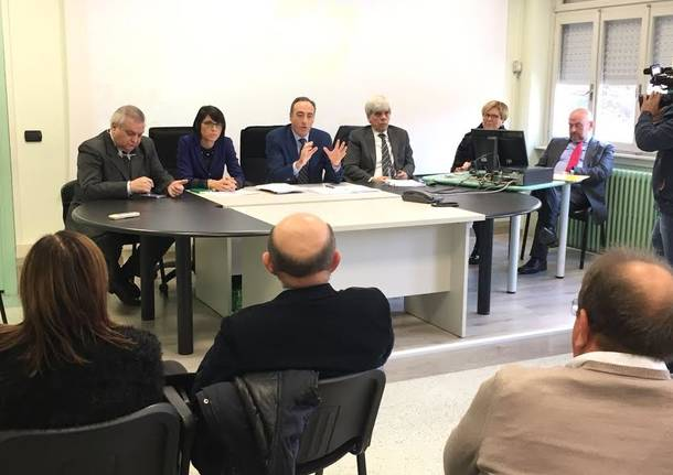 riunione sindaci e assessore gallera