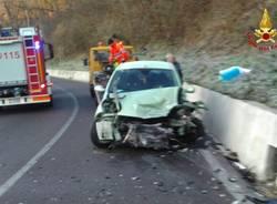 Scontro tra due auto, ferite due donne