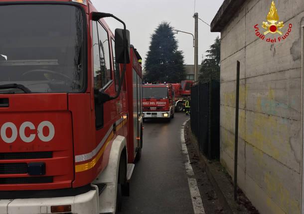 Incendio ad Arona: morti marito e moglie, salva la figlia