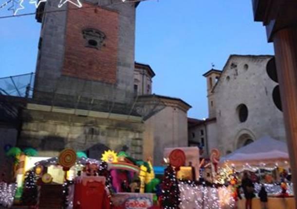 Villaggio di Babbo Natale in piazza Battistero