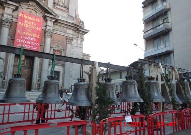 Le campane restaurate sul sagrato della basilica di sant\'Agnese