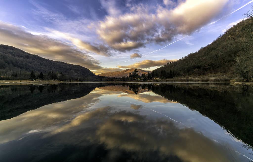 Tramonto sul lago di Ghirla