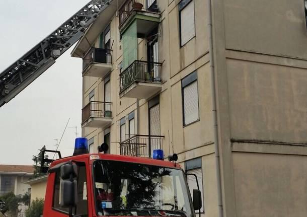 Incendio in un appartamento a Saronno