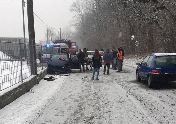 incidente laveno neve