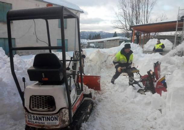 Da Fagnano all'Abruzzo per spalare la neve