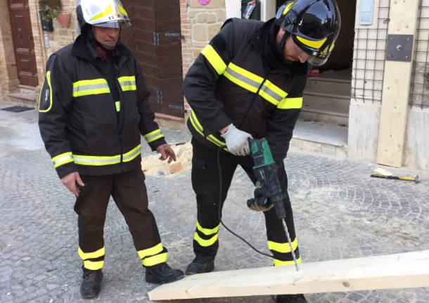 vigili del fuoco impegnati a norcia