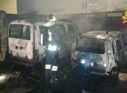 vigili del fuoco vergiate auto in fiamme