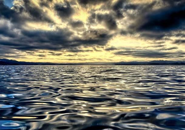 Alba sul lago a Biandronno - foto di Luca Sacchet
