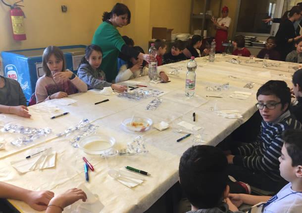Bambini assaggiatori alla mensa di Varese