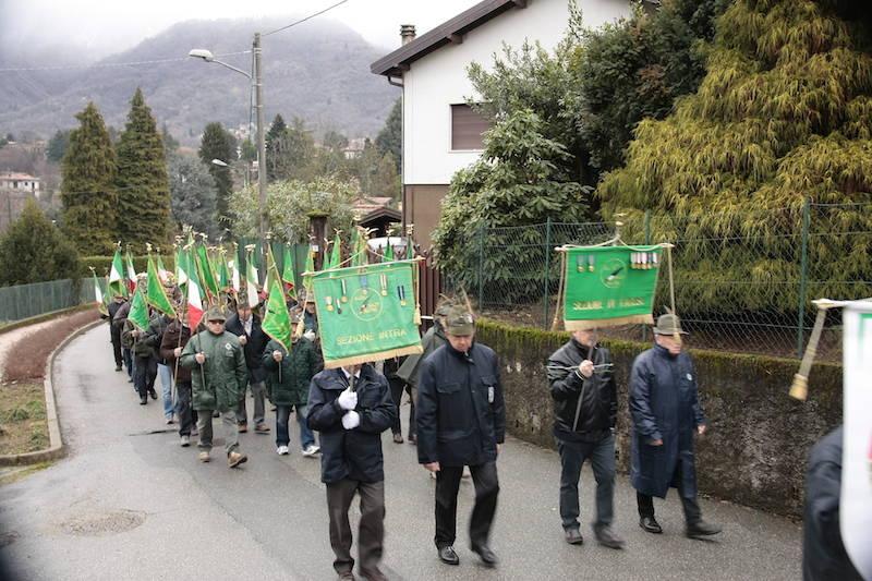 L\'omaggio degli Alpini ai Caduti