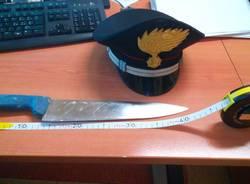 coltello carabinieri busto arsizio