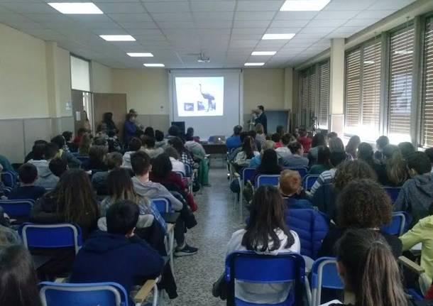 Darwin Day: gli alunni di terza seguono la conferenza