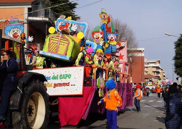 La sfilata di Carnevale a Gavirate