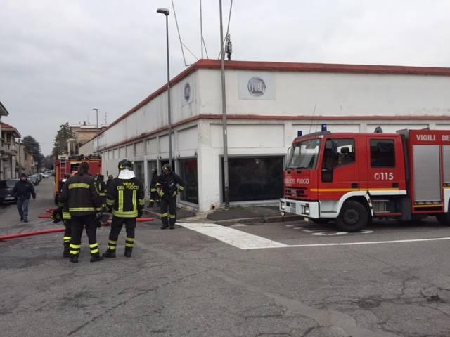 Incendio nella ex Fiat di via Sardegna
