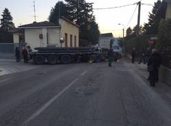 Incidente camion scooter solbiate arno