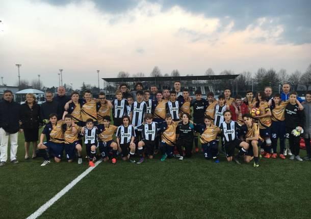 I ragazzi della Lavena Tresiana sul campo della Juventus