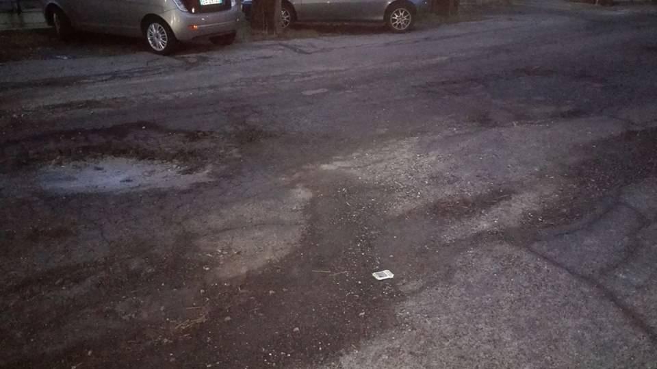 Le buche nelle strade di Laveno