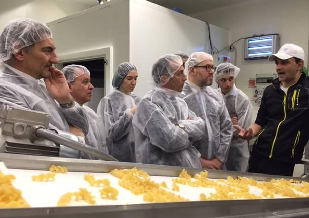 Nel laboratorio dove si fa  Legù, la pasta non pasta
