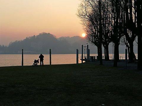 tramonto sul lago ad Angera