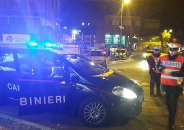 carabinieri controlli posto di blocco notte generica