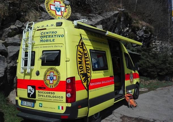 Esercitazione in grotta per il Soccorso alpino
