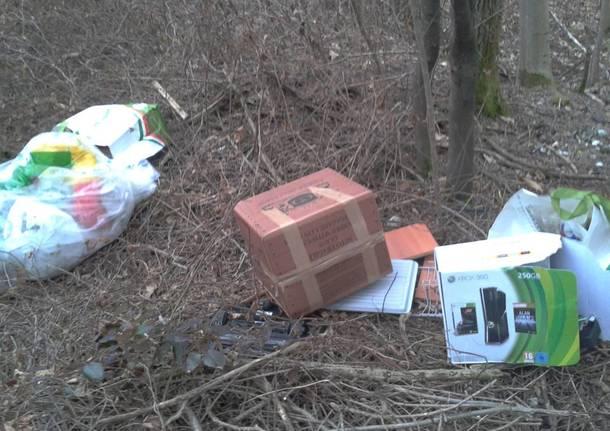 E nei rifiuti abbandonati sbuca la XBox