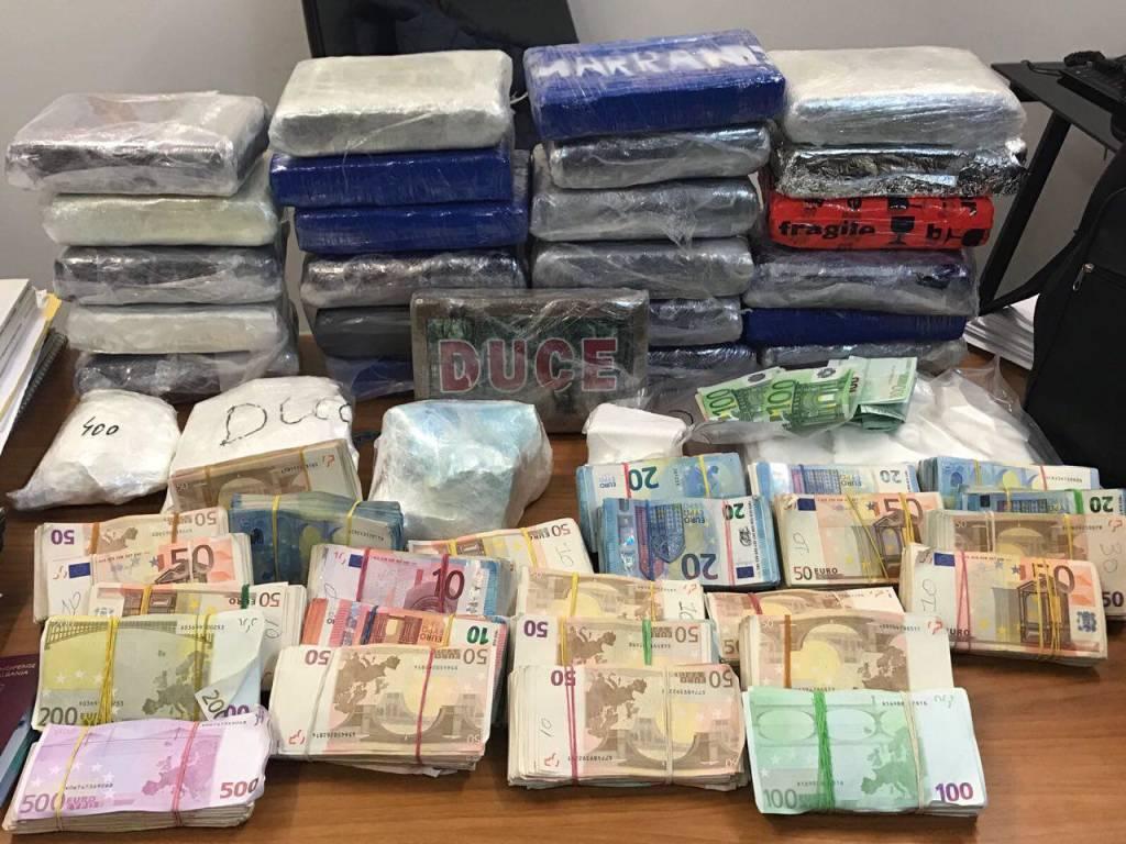 cocaina soldi guardia di finanza