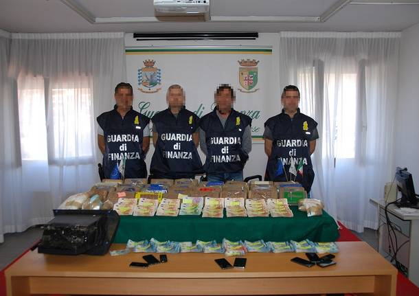 cocaina soldi guardia di finanza