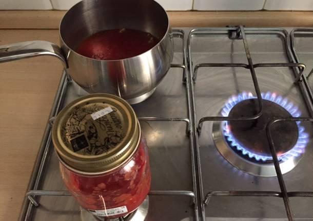 Fabio Ilaqua autore di Occidentali's karma di Gabbani, ha fatto la salsa di pomodoro