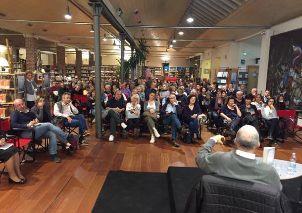 Picozzi apre il Festival Tèc: 150 persone