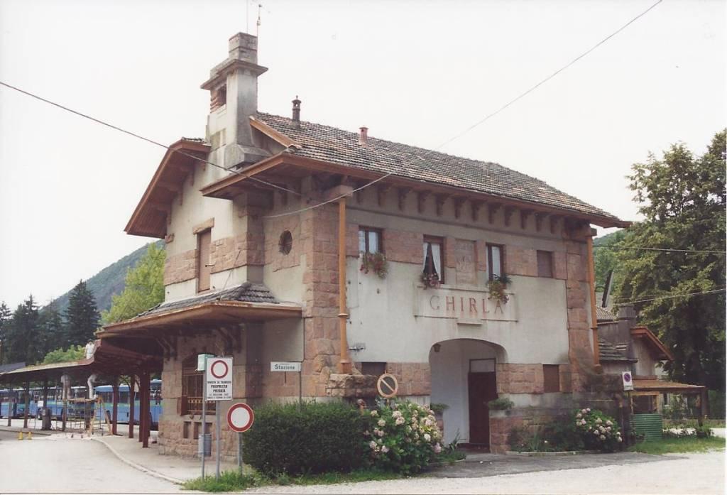 La stazione di Ghirla