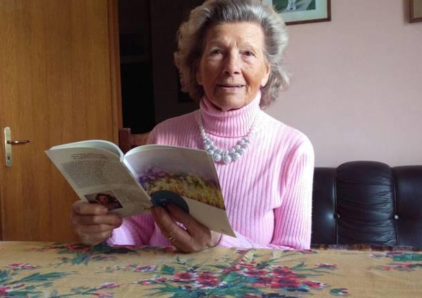 Elsa Zani, poetessa 89enne, pubblica le sue composizioni