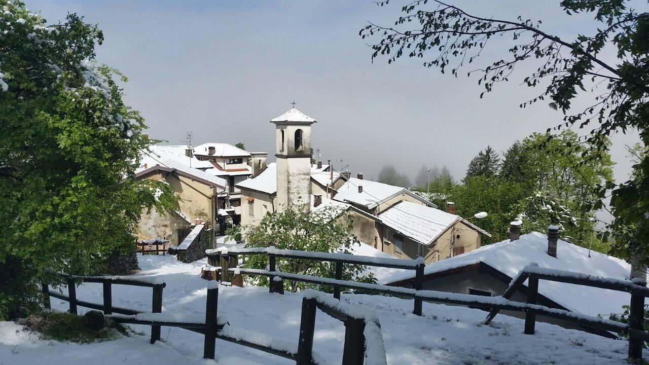 Boarezzo e la Valganna sotto la neve di aprile