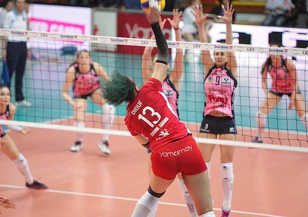 Cev Cup: Uyba-Pomì 3-2