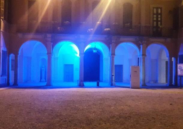 Palazzo estense di illumina di blu