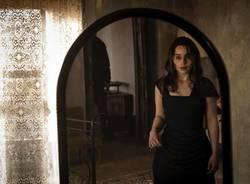 """Emilie Clarke, da """"Il trono di spade"""" al romanzo di Silvio Raffo"""