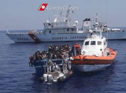 guardia costiera migranti profughi